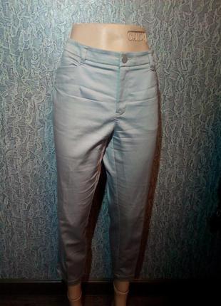 Женские укороченные брюки штаны.