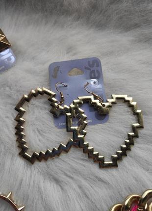 Золотые большие обьемные сережки сердце пиксель гипоаллергенна...