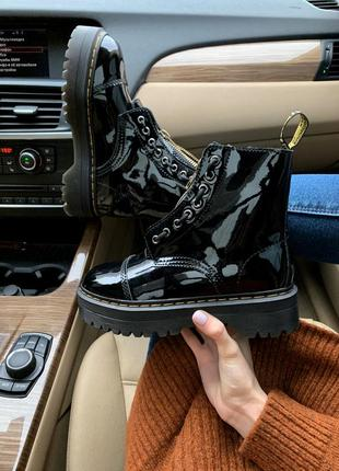 Лакированные женские ботинки dr.martens jadon patent с мехом /...