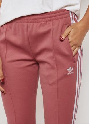Брюки, штаны с лампасами от adidas оригинал новые