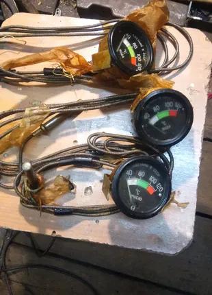 Датчики температури води, масла.