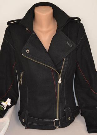 Брендовая черная шерстяная куртка косуха на молнии с поясом и ...