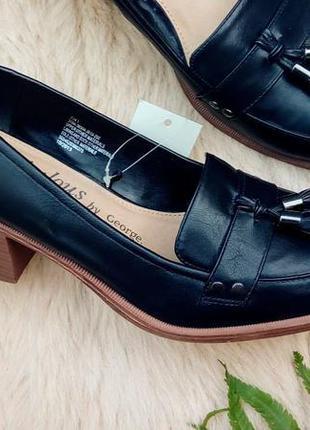 Классные туфли-лоферы с кисточками от george, 40-41, маломерят.