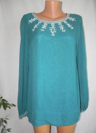 Красивая блуза с вышивкой бисером