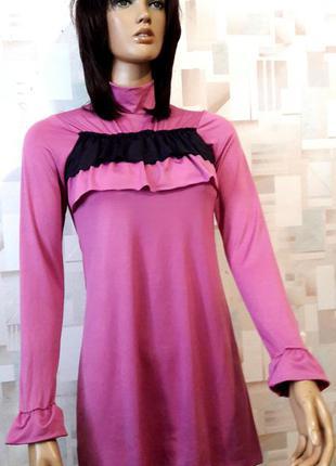 Эластичное сиреневое платье туника с рюшами  от amigoss