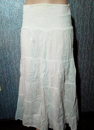 Белая юбка в пол.