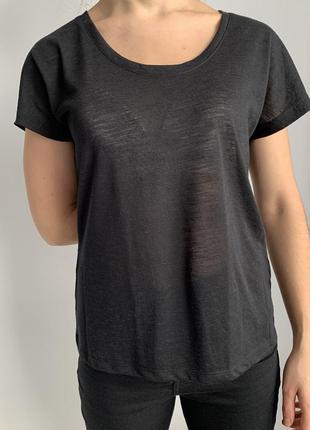 Чорна легка футболка