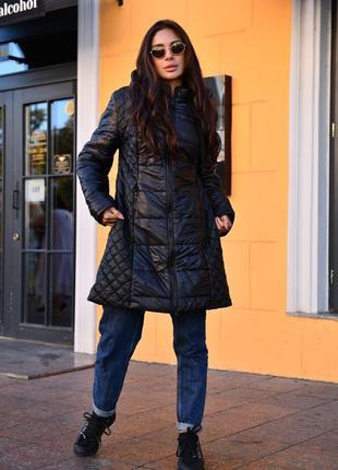 Удлиненная стеганная женская куртка из эко кожи на синтепоне д...