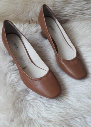 Кожаные туфли geox 38 размер