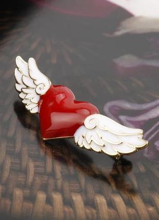 """Брошь """"сердце с крыльями ангела"""""""