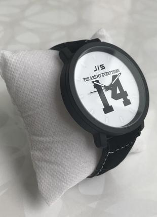 Мужские наручные часы с номером 14