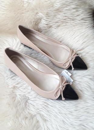 Красивые туфли лодочки  jdwilliams 41-42 размер