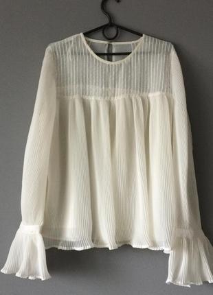 Стильная плиссированная блузка mango l--48 размер.