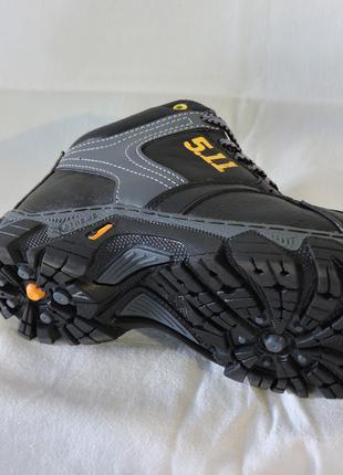 Зимние кроссовки ботинк подростковые Кожа 100% остались 35 размер