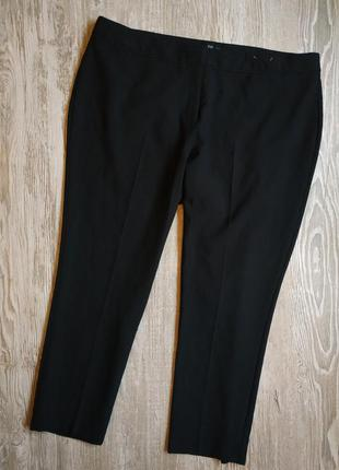 Зауженные укороченные брюки f&f размер 20-22