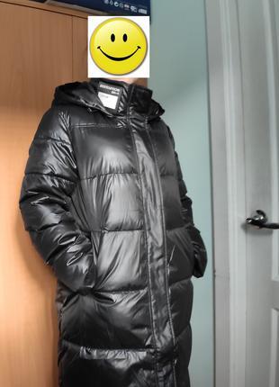 Пуховик черный зимний с капюшоном