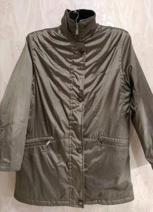 Удлиненная куртка на синтепоне большого размера.