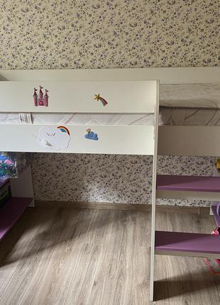 Кровать стол и тумба детские