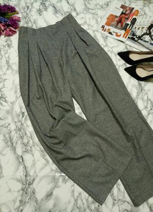 Модные брюки с высокой посадкой