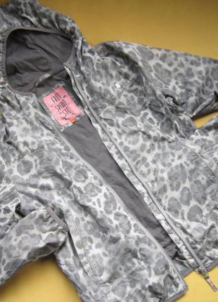 Стильная спортивная куртка ветровка с отражателями,stc,отлично...
