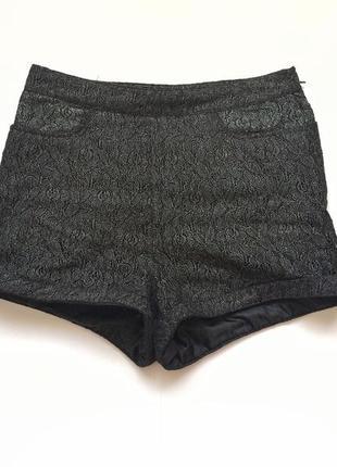 Стильные шорты h&m, черные, шорти