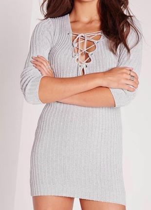 Трикотажное ребристое платье со шнуровкой