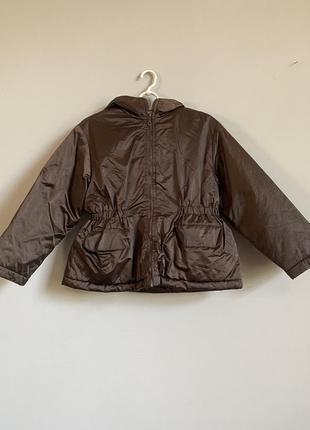 Коричневая приталенная куртка демисезонная benetton