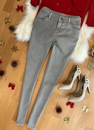 Актуальные зауженные джинсы дудочки сигаретки №999max