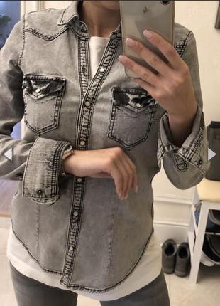 Джинсовая приталенная рубашка под варенку h&m