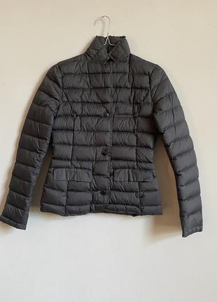 Чёрный тонкий пуховик куртка mango
