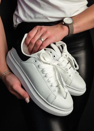 Кроссовки женские alexander mcqueen white black, маквин белые