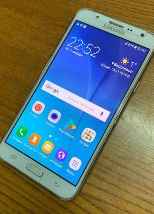 Смартфон Samsung Galaxy J7 DS J700H/DS White