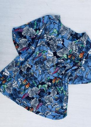 Красивая блузка label be