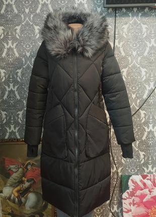 Длинная зимняя куртка пальто з мехом