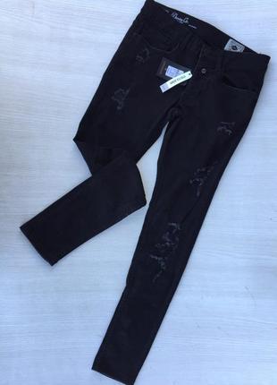 Чёрные джинсы скинни,рваные джинсы denim co