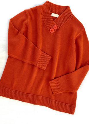Теплый стильный свитер большого размера