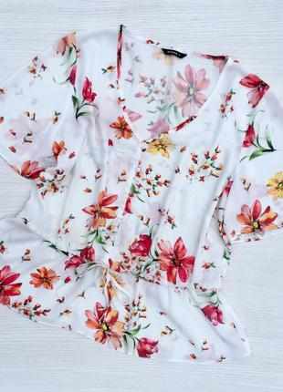 Нежная красивая блузка