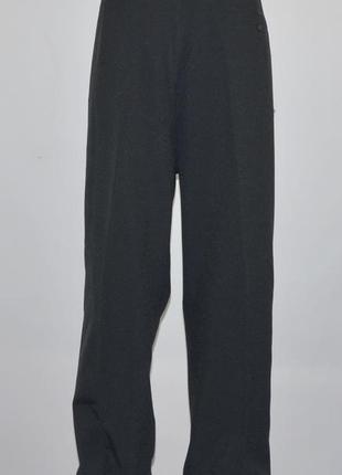 Качественные, классические брюки фирмы farah (4xl) батал. новые.