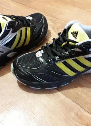 Беговые кроссовки adidas 23,5- 24