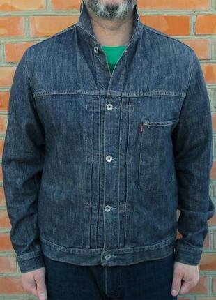 Levi's джинсовая куртка оригинал (m) сост.идеал