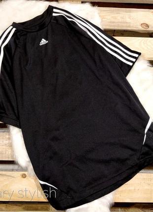 Спортивная футболка  adidas думаю можно как унисекс