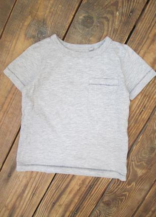 Серая футболка next на 9-12 мес.