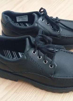 Туфли стильные для подростка  bootleg.38 р.