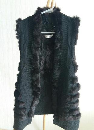 Жилетка вязаная с натуральным мехом италия на размер м