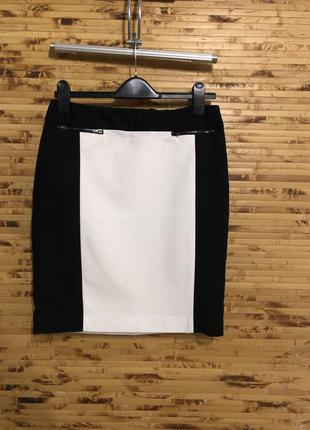 Брендовая юбка calvin klein черно-белого цвета