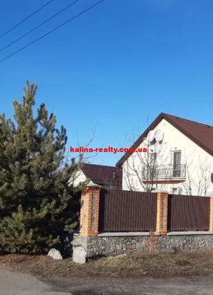 Продам 2-х этажный дом в с. Путровка