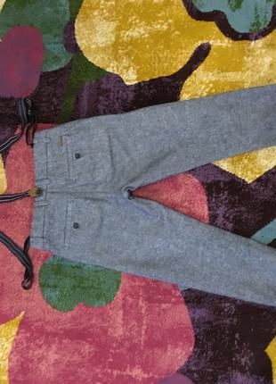 Новые брюки H&M с подтяжками