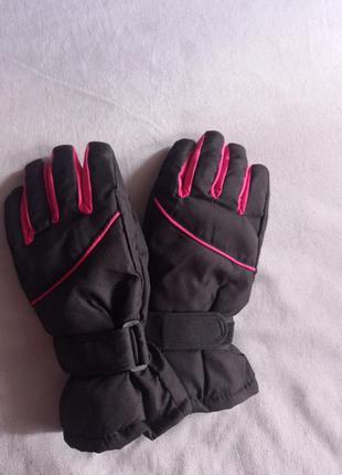 Перчатки,теплые перчатки,рукавицы, спортивные перчатки
