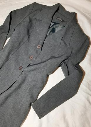 Удлиненный, длинный пиджак