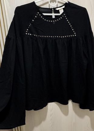 Шикарная женская блуза чёрного цвета с широкими объемными рука...